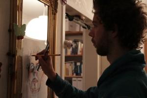 Making of, habe das Papier direkt auf den Spiegel geklebt, wer seltsam so zu malen.