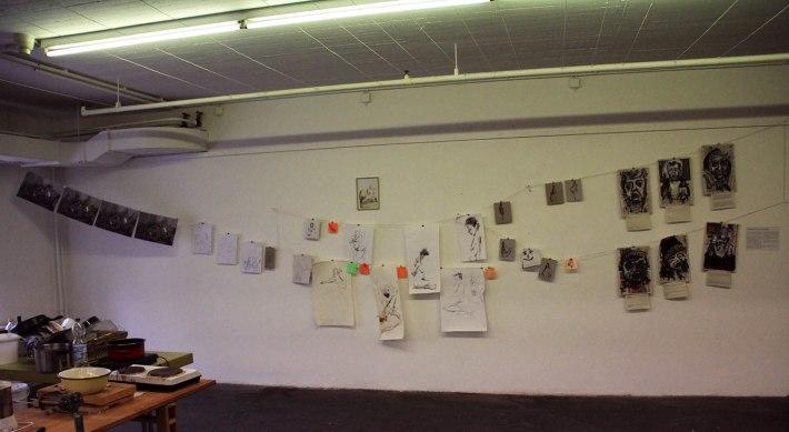 Die Wäscheleinen-Hängung. Weil mich diese supertollen weißen Wände mit den tollen Bildern dran nerven.