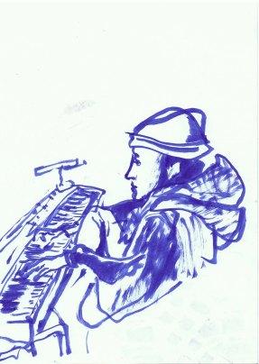Die Pianistin hat am Boden sitzend gespielt.